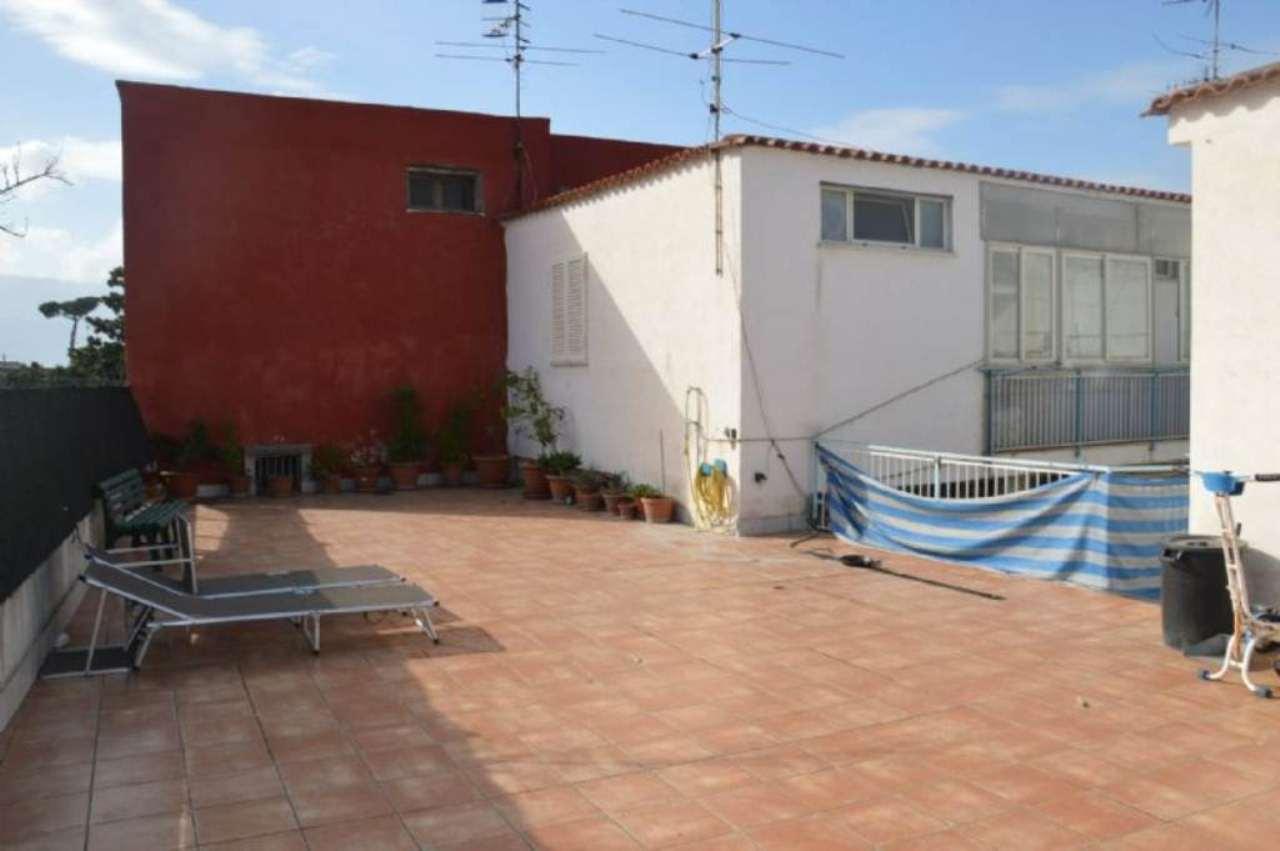 Palazzo / Stabile in vendita a Boscoreale, 15 locali, prezzo € 220.000 | Cambio Casa.it