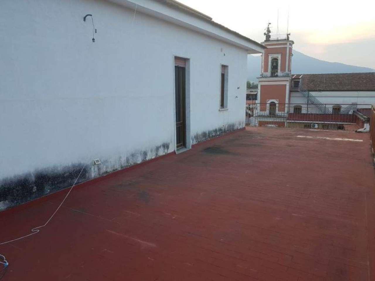 Palazzo / Stabile in vendita a Poggiomarino, 4 locali, prezzo € 120.000 | Cambio Casa.it