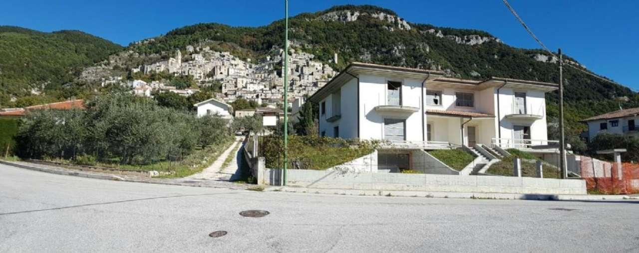 Villa Bifamiliare in vendita a Roccaraso, 5 locali, prezzo € 200.000 | Cambio Casa.it