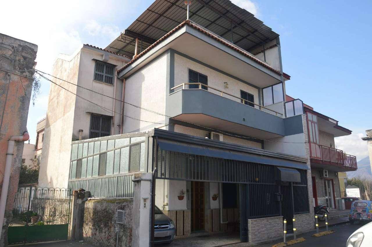Soluzione Indipendente in vendita a Poggiomarino, 4 locali, prezzo € 148.000   Cambio Casa.it