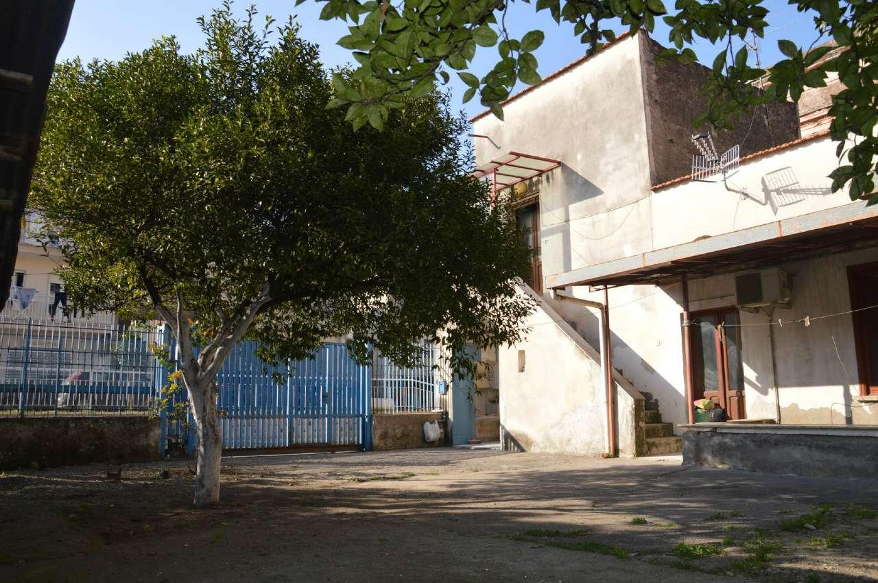 Soluzione Indipendente in vendita a Poggiomarino, 4 locali, Trattative riservate | Cambio Casa.it