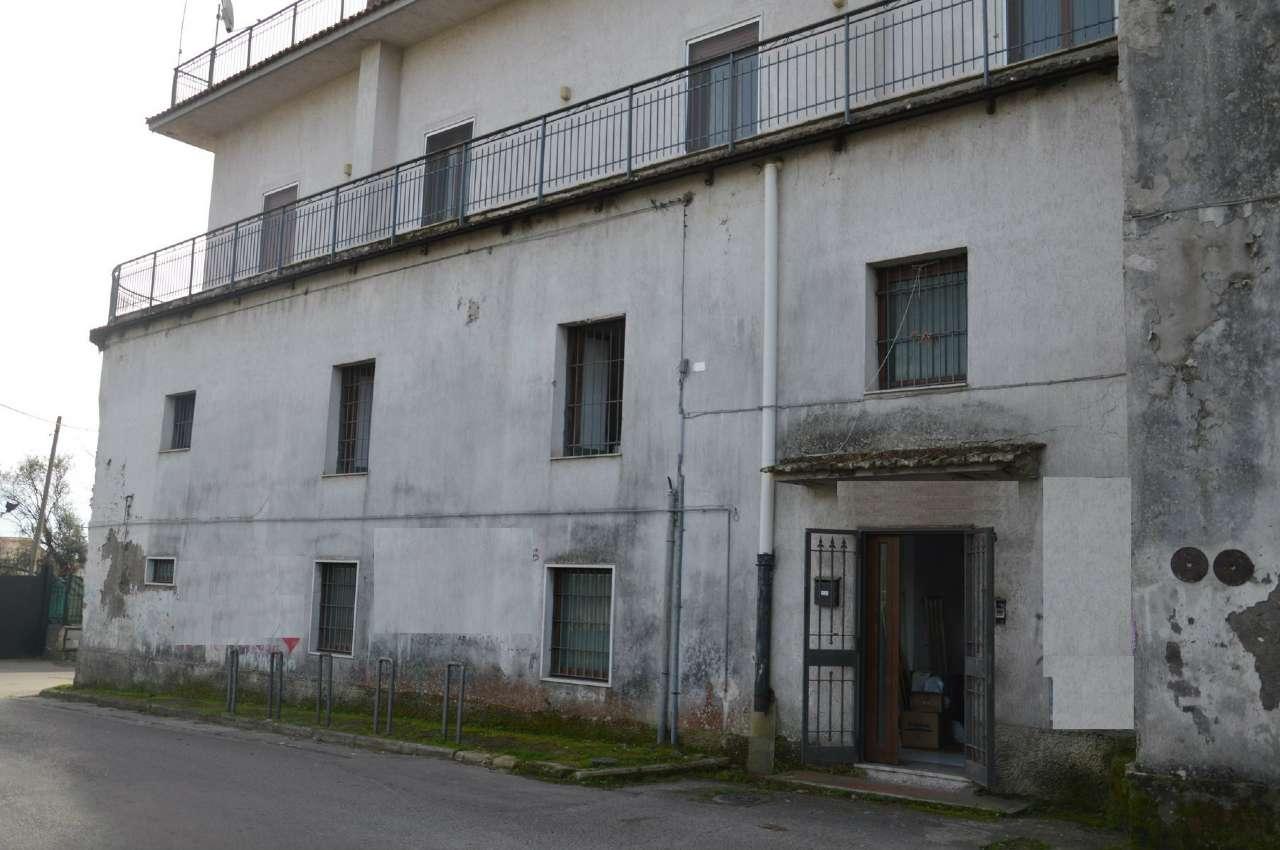 Soluzione Indipendente in vendita a Ottaviano, 8 locali, prezzo € 210.000 | Cambio Casa.it