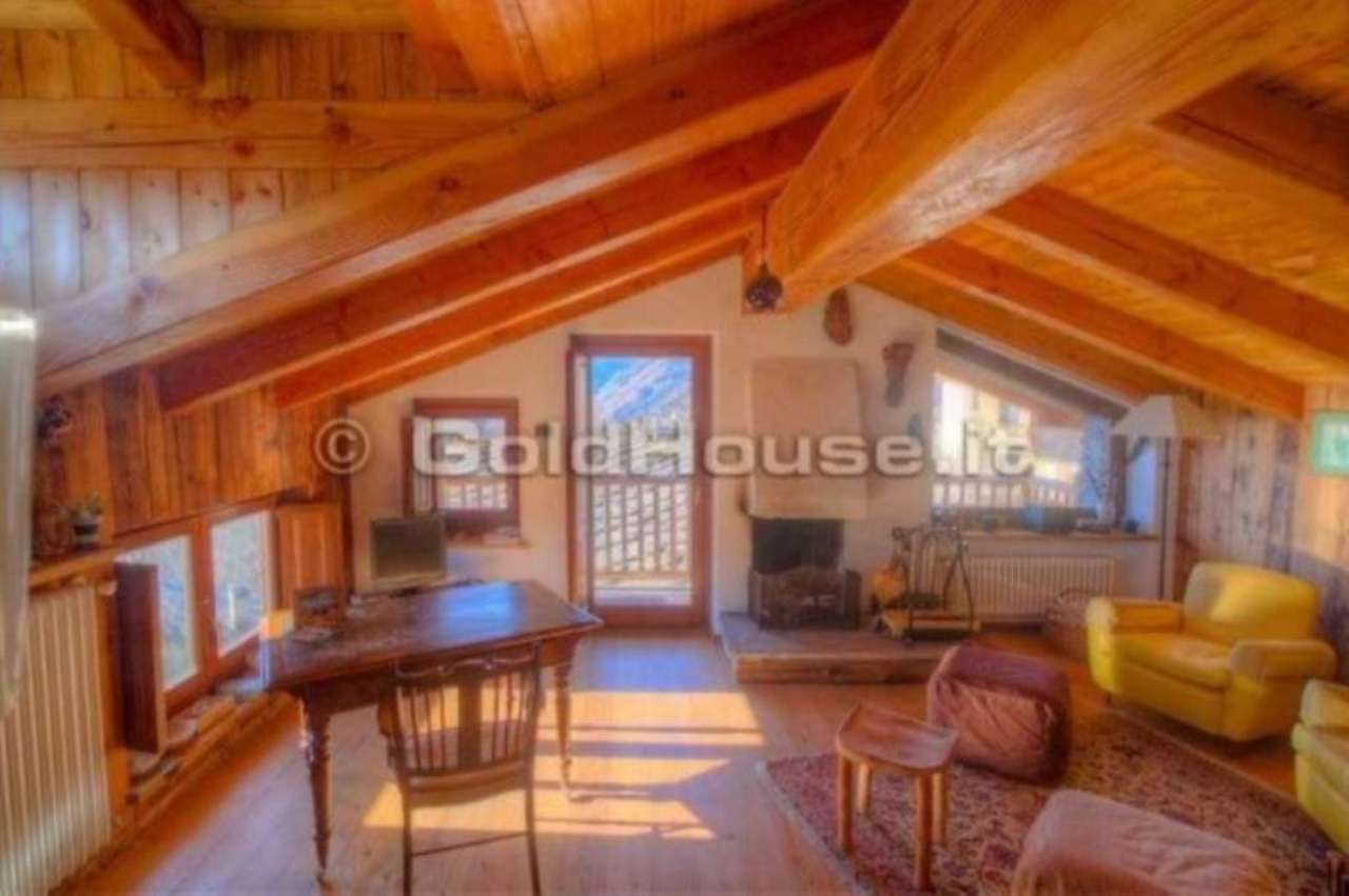 Appartamento in vendita a La Salle, 3 locali, prezzo € 370.000   Cambio Casa.it