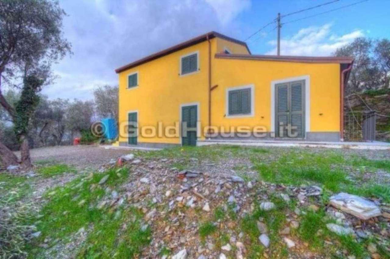 Appartamento in vendita a Lavagna, 4 locali, prezzo € 600.000 | Cambio Casa.it