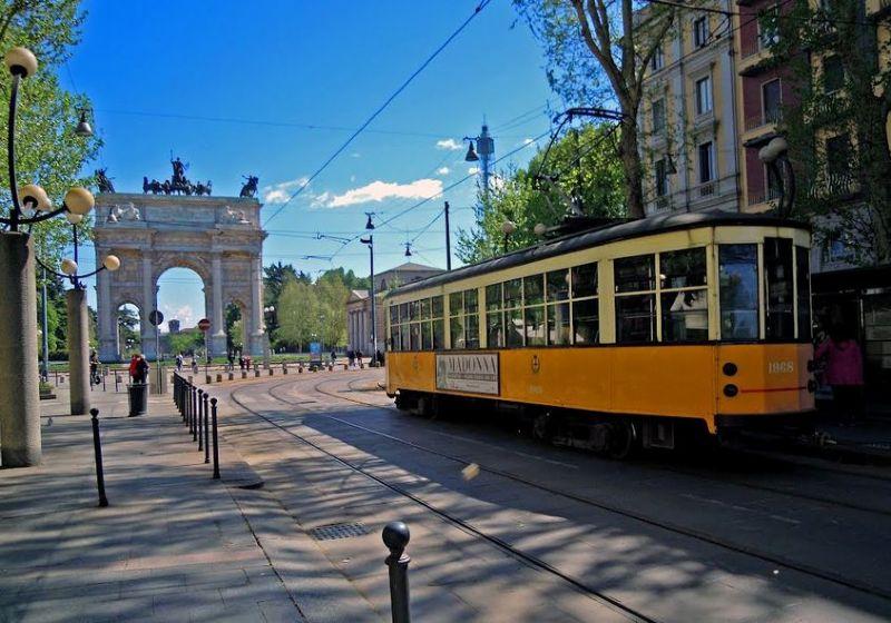 Bilocale Milano Piazza Sempione 9