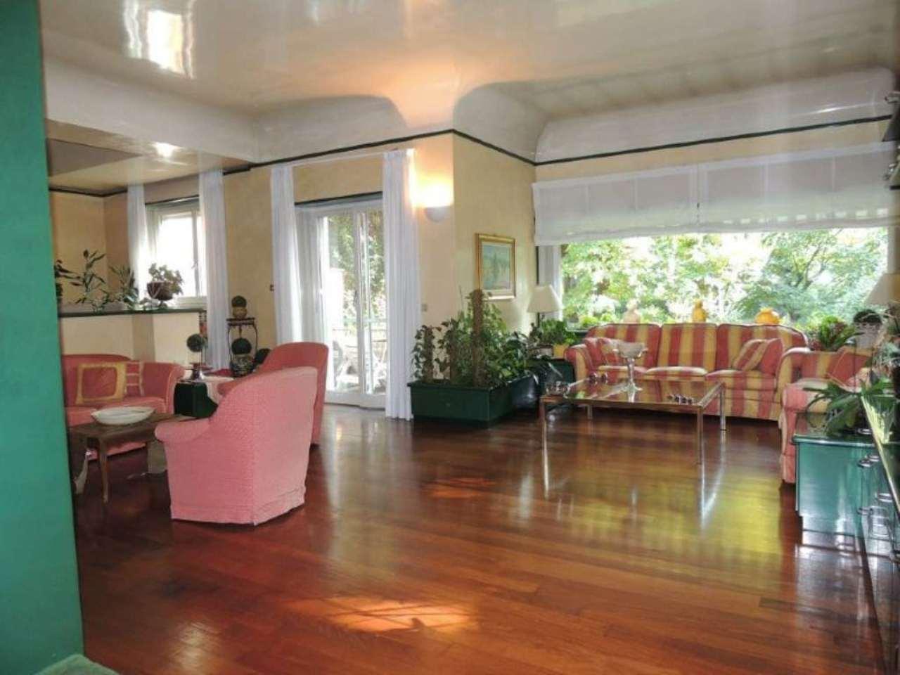 Villa in vendita a Segrate, 10 locali, prezzo € 1.580.000   Cambio Casa.it