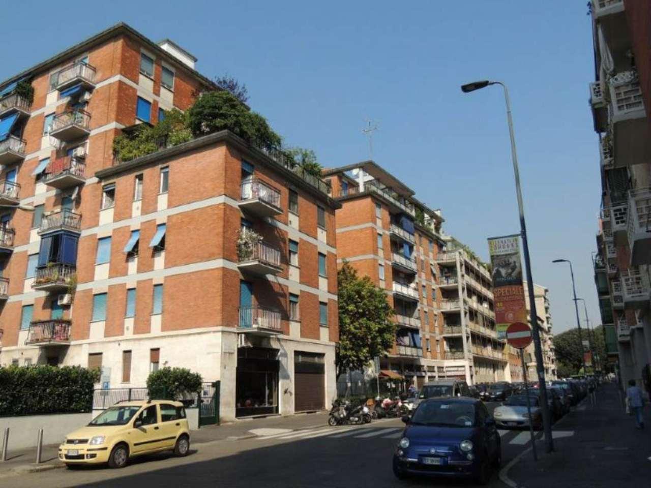 Bilocale Milano Via Romilli 1