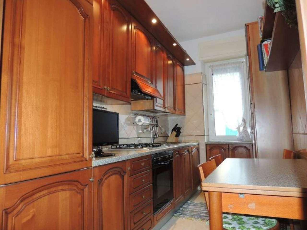 Bilocale Milano Via Romilli 8