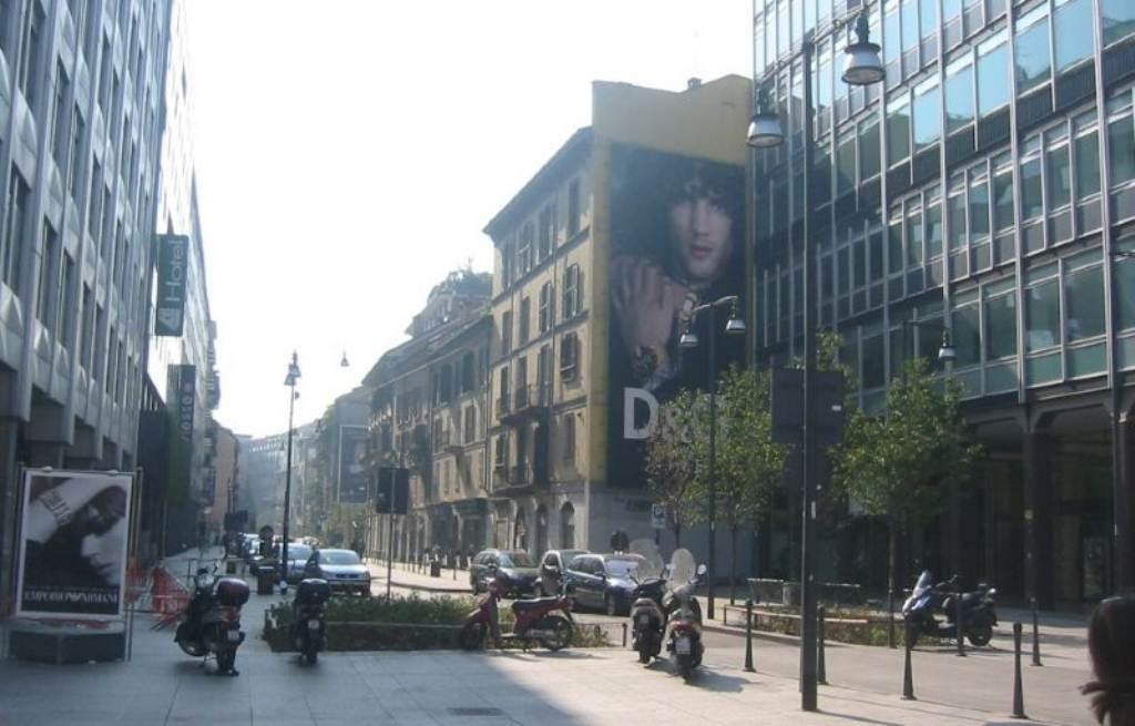 Bilocale Milano Corso Garibaldi 10