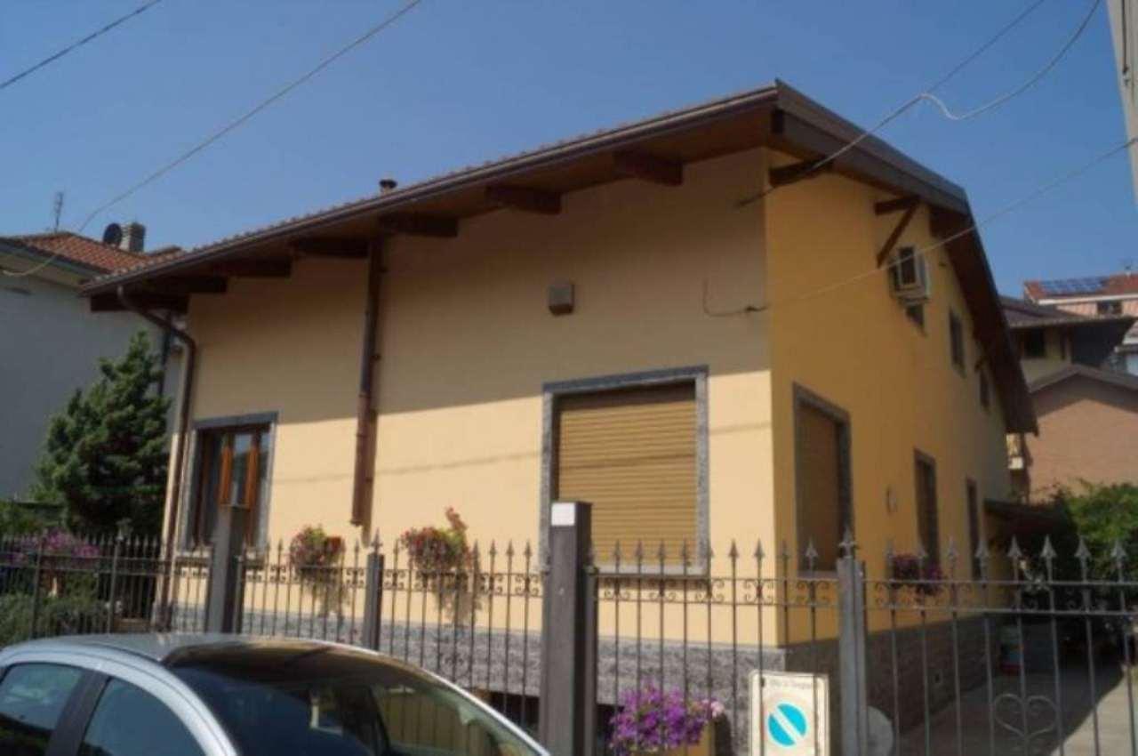 Villa in vendita a Grugliasco, 6 locali, prezzo € 550.000 | Cambiocasa.it