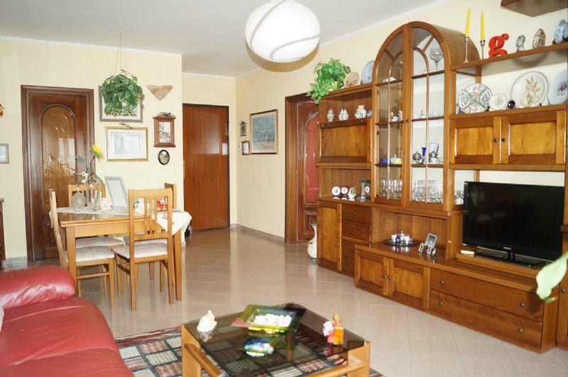 Appartamento in vendita a Grugliasco, 5 locali, prezzo € 170.000 | Cambiocasa.it