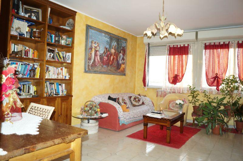 Appartamento in vendita a Grugliasco, 4 locali, prezzo € 159.000 | Cambiocasa.it