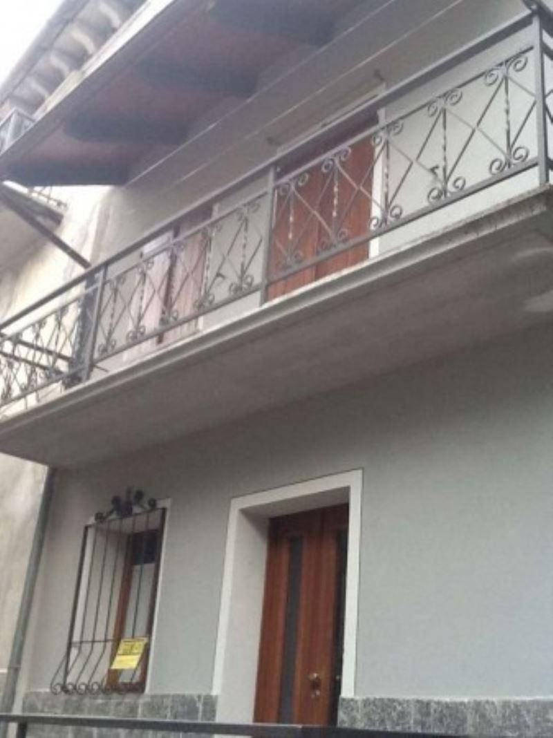Soluzione Indipendente in vendita a Druogno, 3 locali, prezzo € 110.000 | Cambio Casa.it