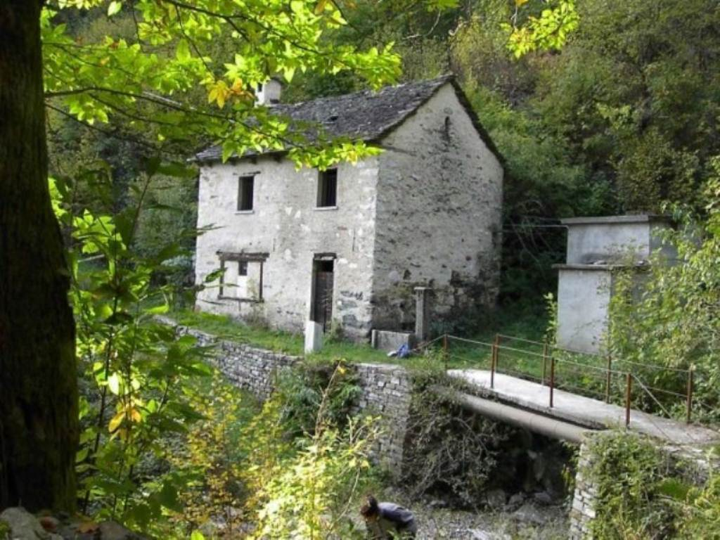 Rustico / Casale in Vendita a Cursolo-Orasso