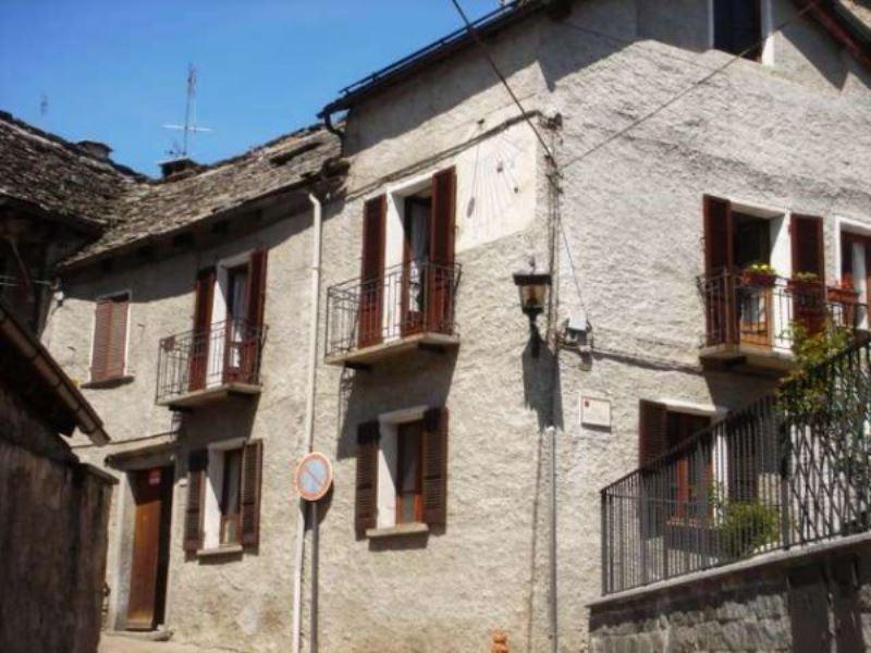 Soluzione Indipendente in vendita a Santa Maria Maggiore, 5 locali, prezzo € 150.000 | CambioCasa.it
