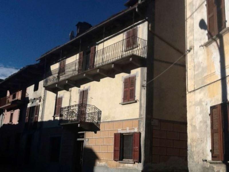 Soluzione Indipendente in vendita a Santa Maria Maggiore, 6 locali, prezzo € 110.000 | CambioCasa.it