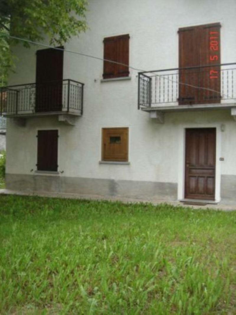 Appartamento in vendita a Malesco, 3 locali, prezzo € 110.000 | Cambio Casa.it