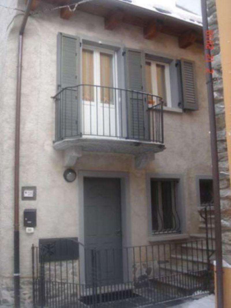 Villa in vendita a Malesco, 6 locali, prezzo € 195.000 | Cambio Casa.it