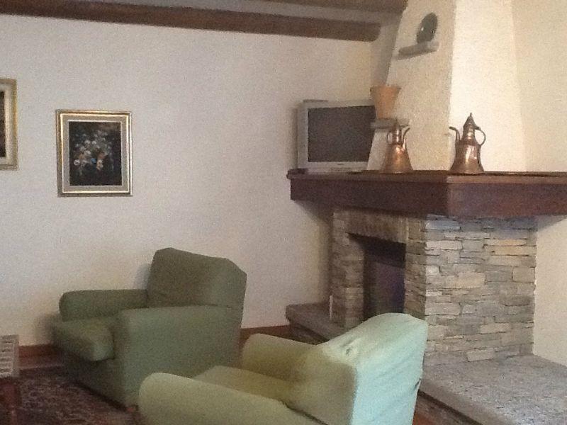 Soluzione Indipendente in affitto a Craveggia, 7 locali, Trattative riservate | Cambio Casa.it
