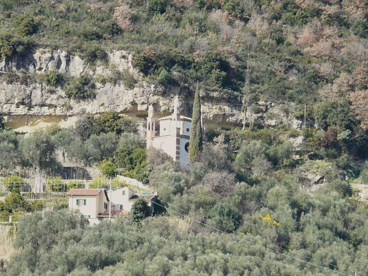 Capannone in vendita a Finale Ligure, 9999 locali, prezzo € 300.000 | Cambio Casa.it