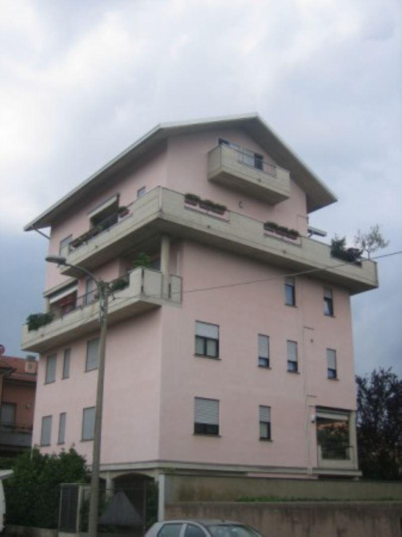 Appartamento in affitto a Lissone, 2 locali, prezzo € 550 | Cambio Casa.it