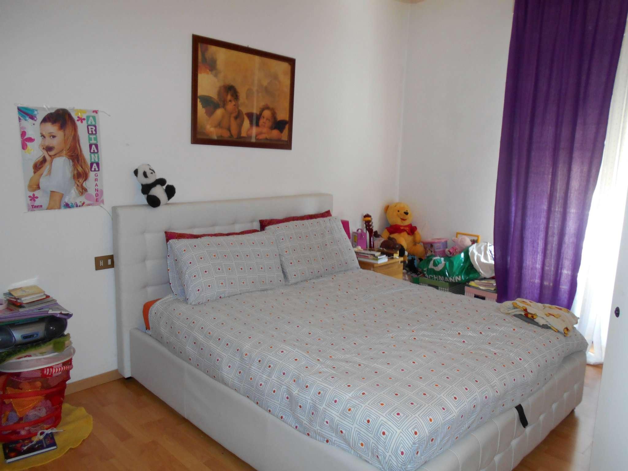 Bilocale Milano Via Astri 6