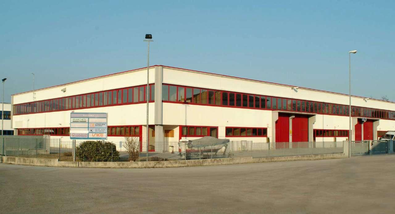 Capannone in vendita a Conegliano, 9999 locali, Trattative riservate | Cambio Casa.it
