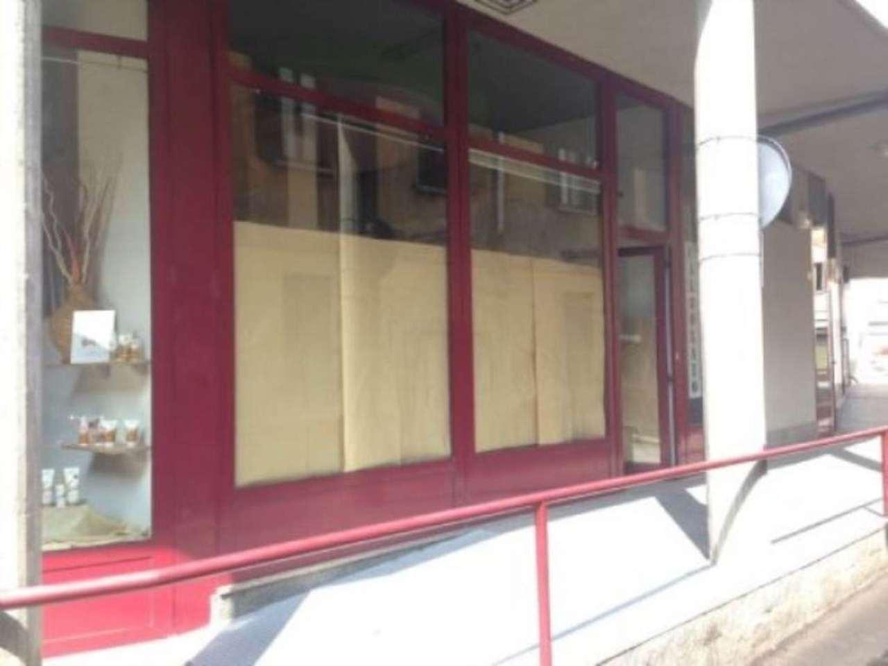 Negozio / Locale in affitto a Cassano Magnago, 2 locali, prezzo € 600 | Cambio Casa.it