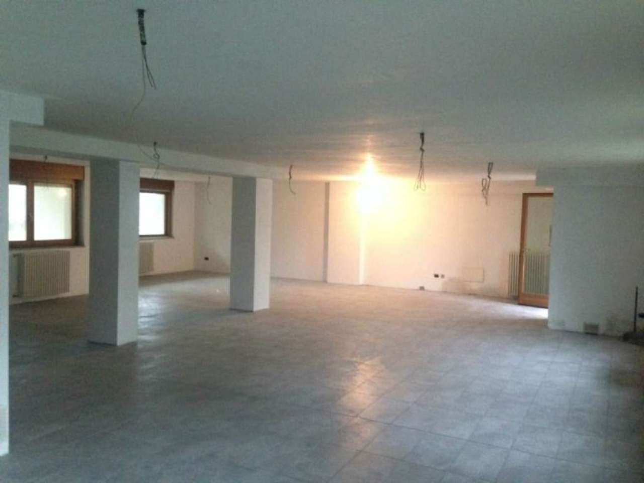 Magazzino in vendita a Gallarate, 1 locali, prezzo € 140.000 | Cambio Casa.it