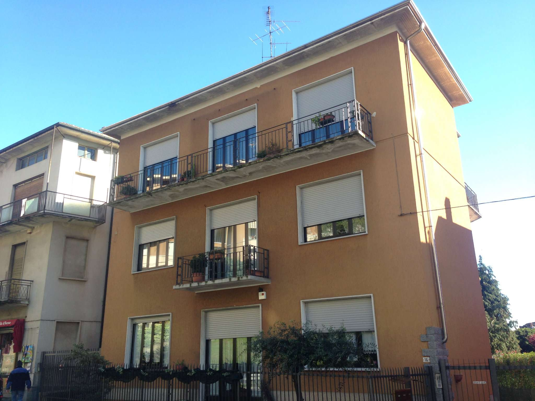 Appartamento in affitto a Jerago con Orago, 3 locali, prezzo € 600 | Cambio Casa.it