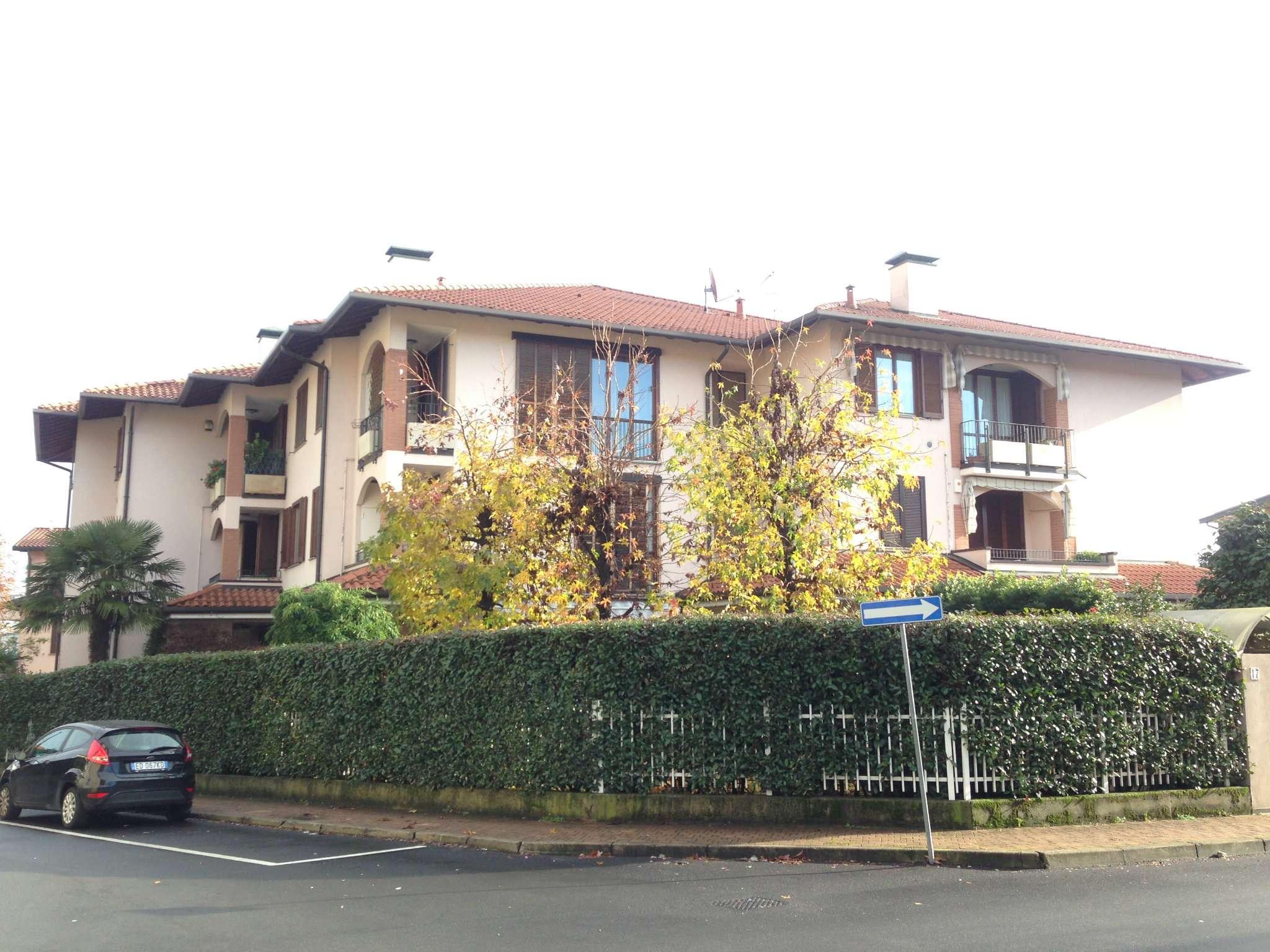 Appartamento in vendita a Jerago con Orago, 3 locali, prezzo € 154.000 | Cambio Casa.it