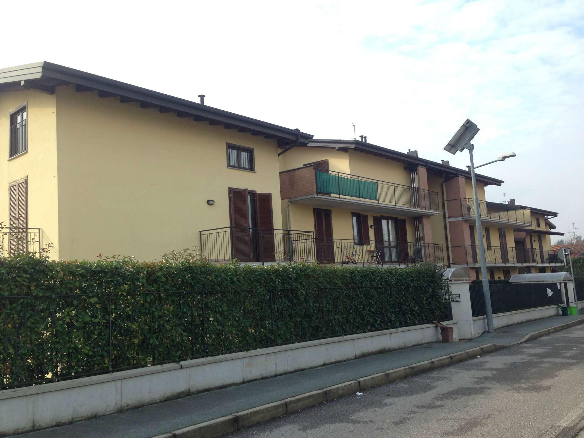 Appartamento in affitto a Carnago, 4 locali, prezzo € 800 | Cambio Casa.it