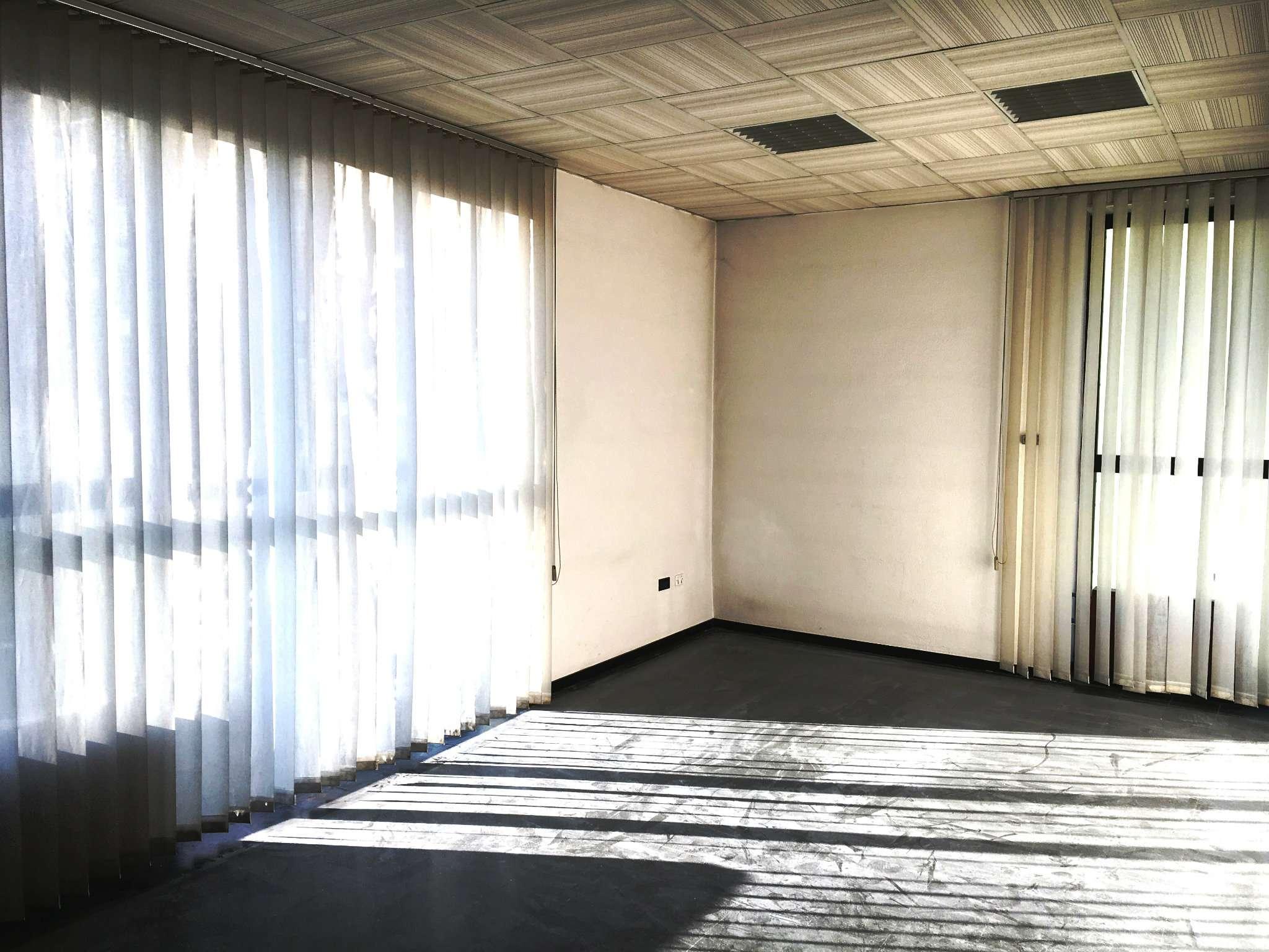 Magazzino in vendita a Torino, 9999 locali, zona Zona: 11 . Regio Parco, Vanchiglia, Lungo Po, Vanchiglietta, Trattative riservate | Cambio Casa.it