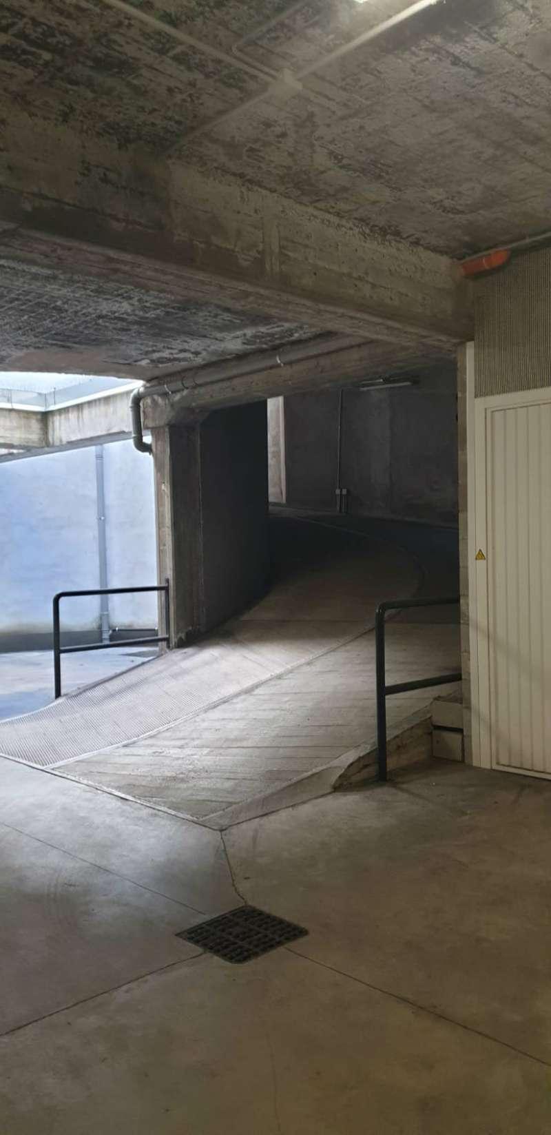 Foto 1 di Box / Garage via Bava 48, Torino (zona Vanchiglia, Regio Parco)