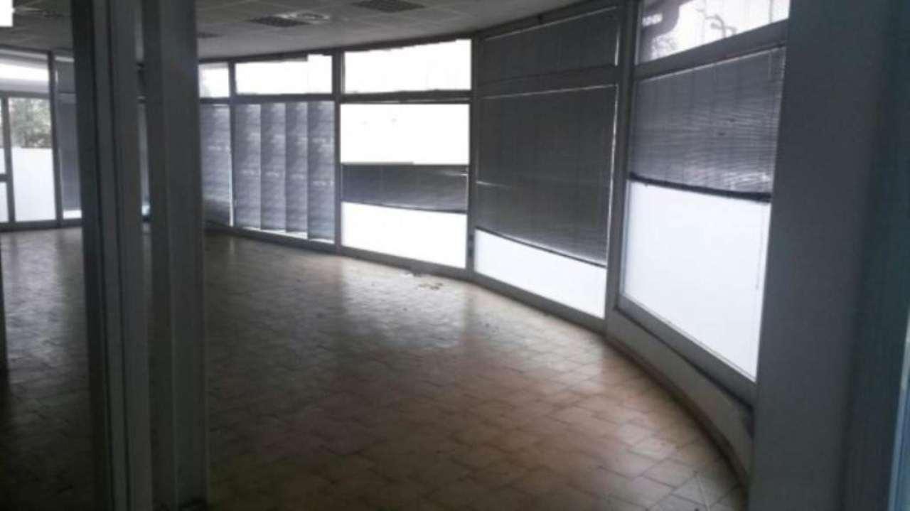 Negozio / Locale in vendita a Varese, 1 locali, prezzo € 400.000 | CambioCasa.it