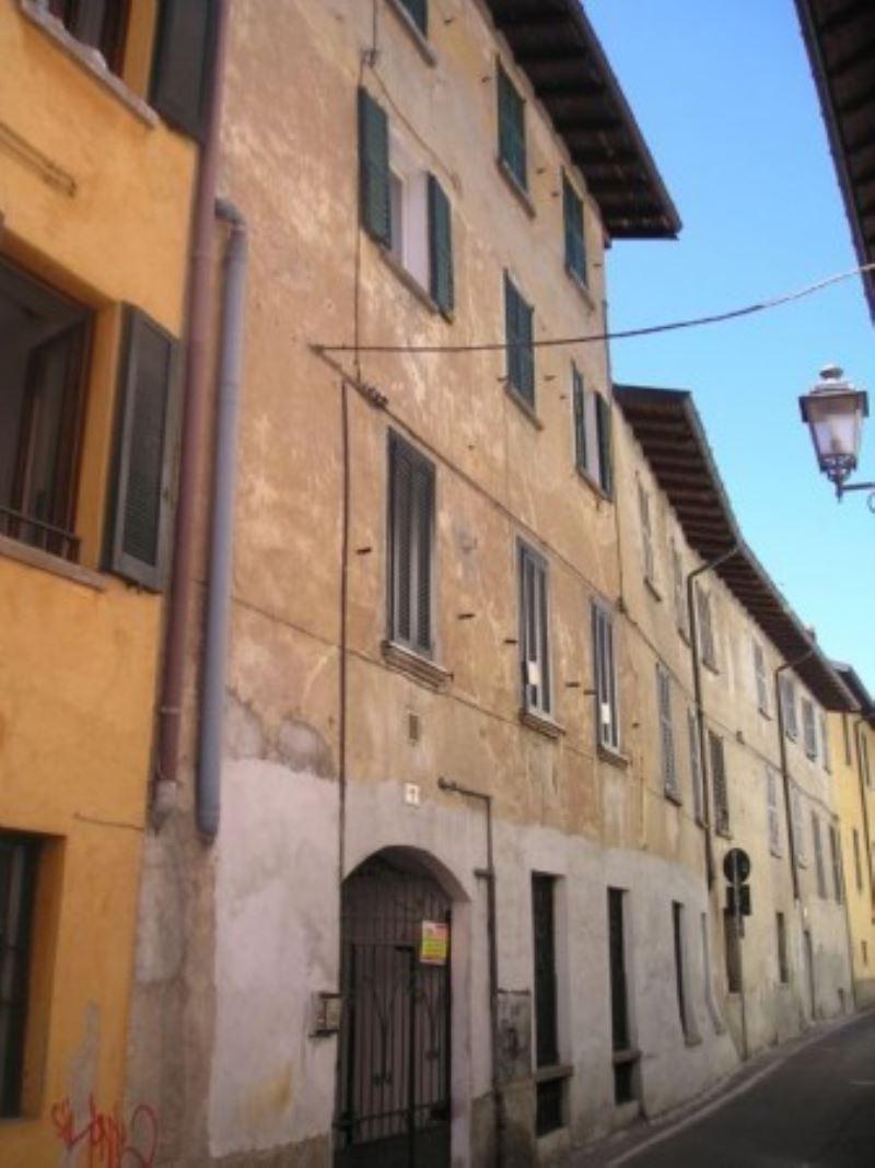 Bilocale Varese Via Frasconi 1