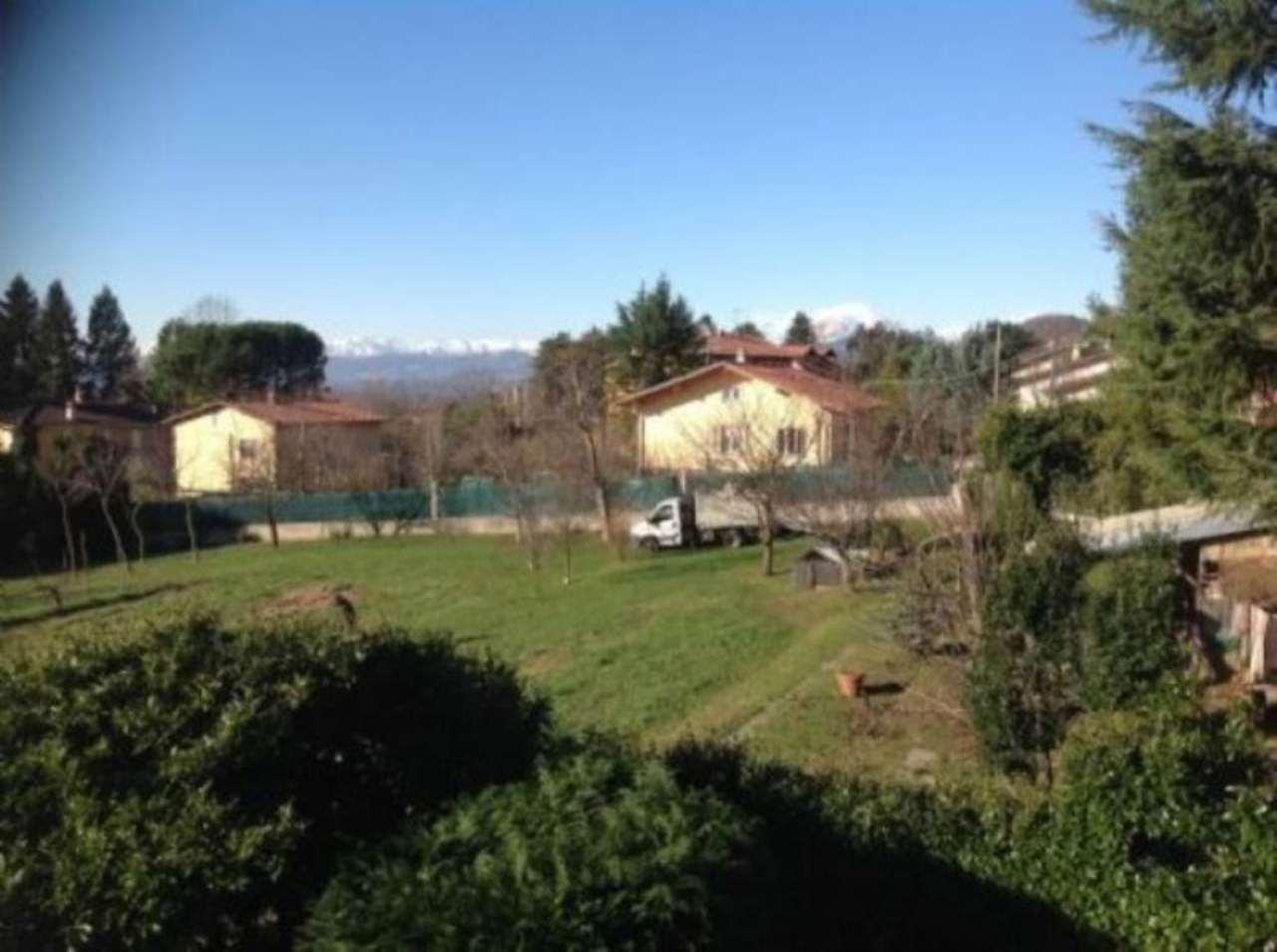 Villa Bifamiliare in vendita a Barasso, 5 locali, prezzo € 500.000 | Cambio Casa.it