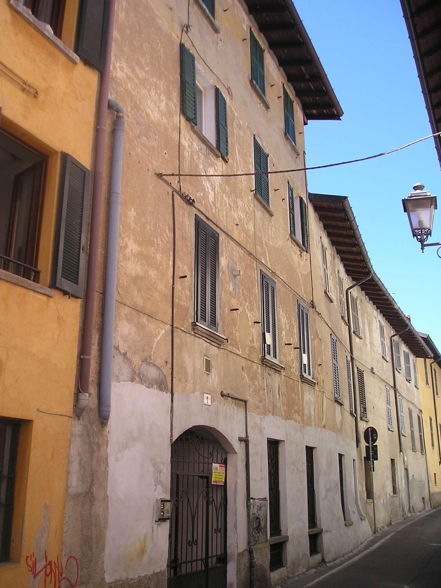 Bilocale Varese Via Frasconi 2