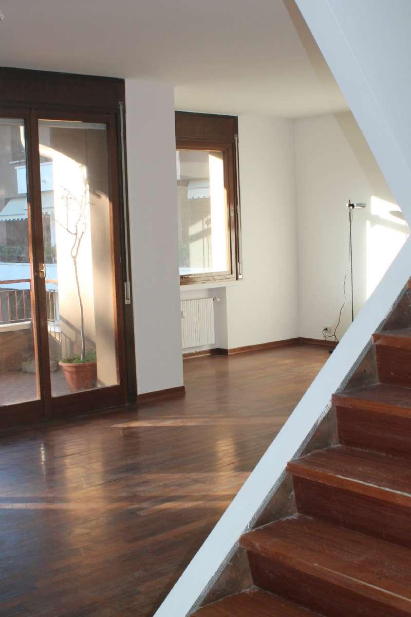 Attico / Mansarda in vendita a Varese, 5 locali, prezzo € 380.000 | Cambio Casa.it