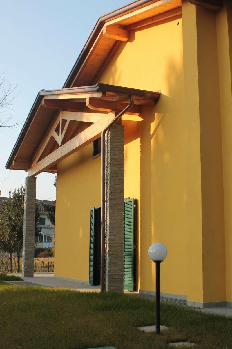 Villa Bifamiliare in Vendita a Sumirago