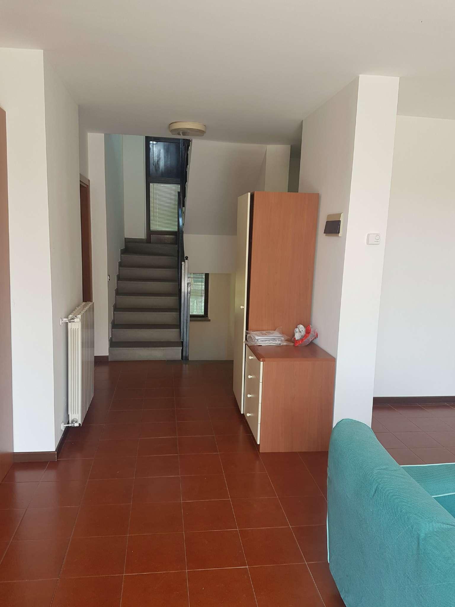 Villa a Schiera in Vendita a Daverio