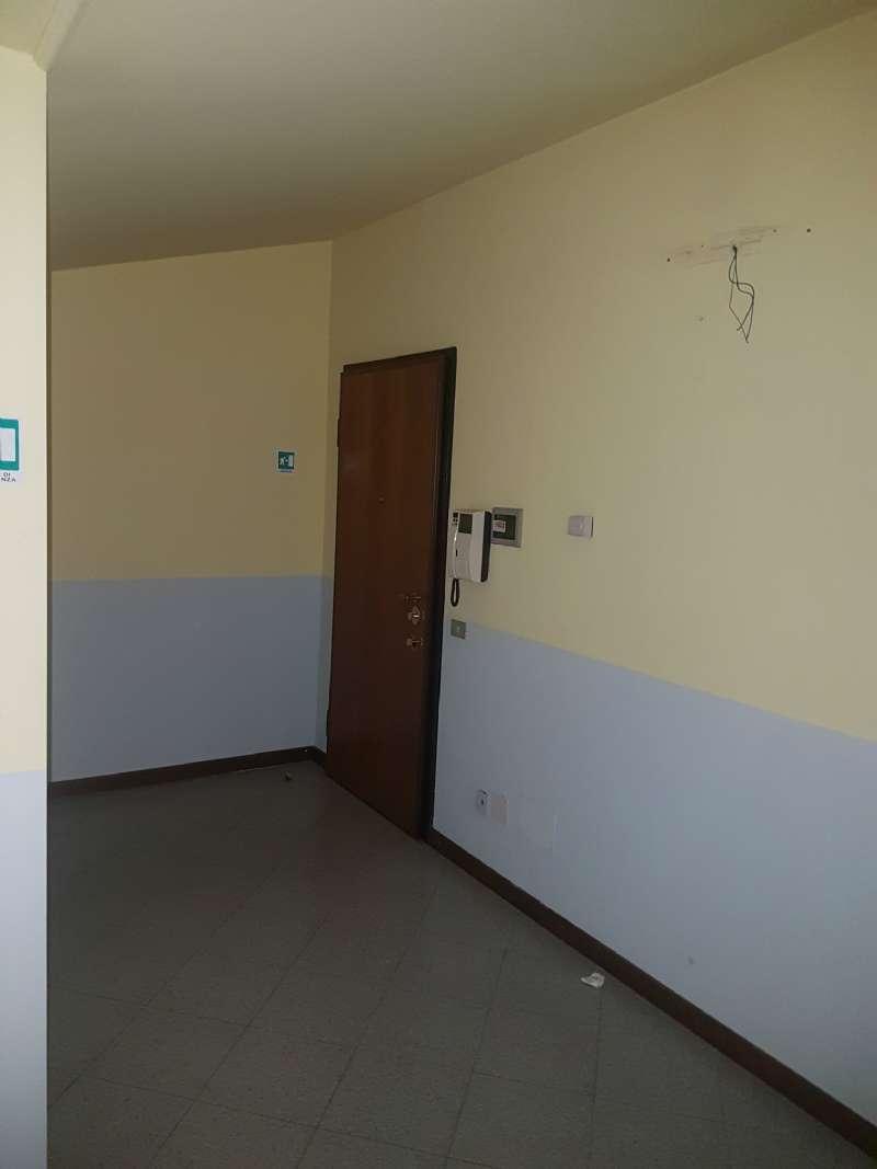 Ufficio / Studio in affitto a Varese, 2 locali, prezzo € 500 | CambioCasa.it