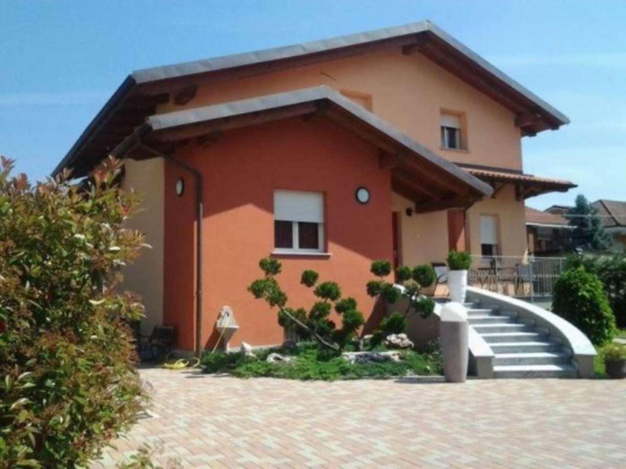 Villa in vendita a Santena, 6 locali, prezzo € 840.000   Cambio Casa.it