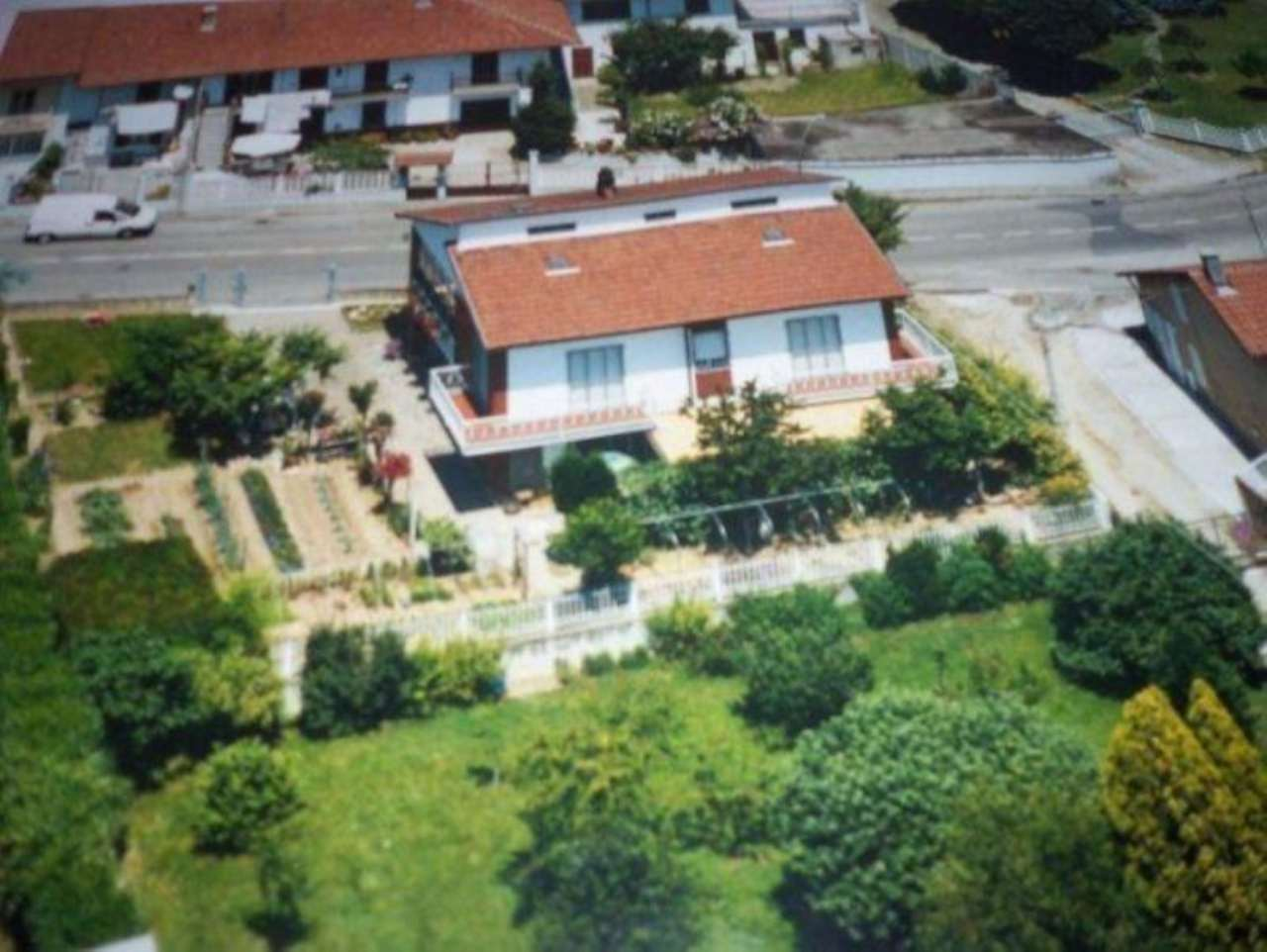 Villa in vendita a Cambiano, 5 locali, prezzo € 300.000 | Cambio Casa.it