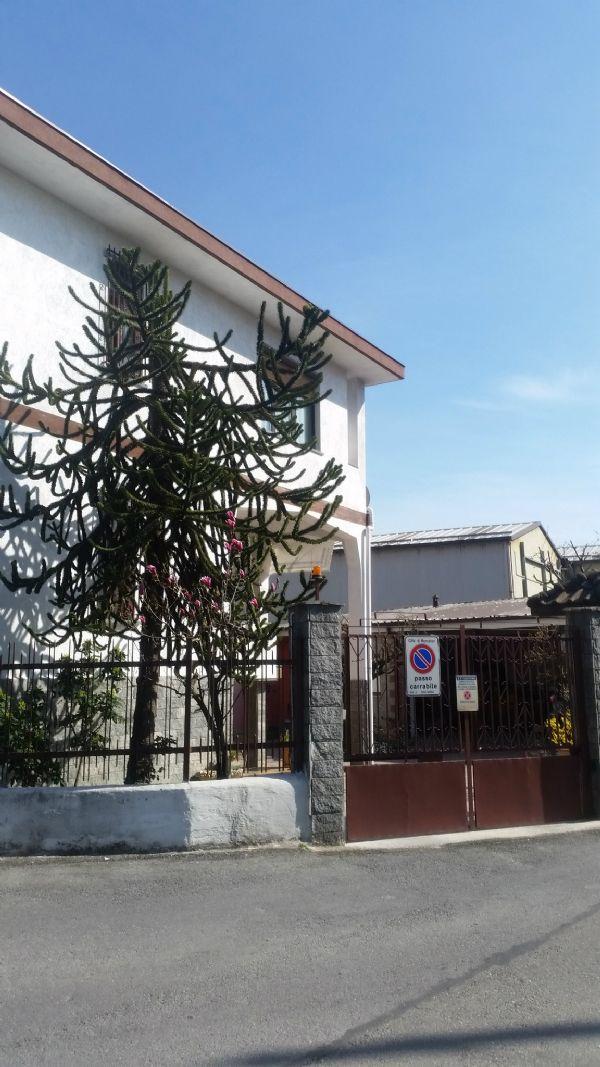 Villa Bifamiliare in vendita a Moncalieri, 6 locali, prezzo € 640.000 | Cambio Casa.it