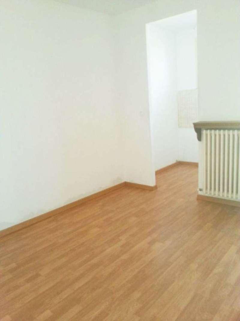 Appartamento in affitto a Moncalieri, 3 locali, prezzo € 445 | Cambio Casa.it
