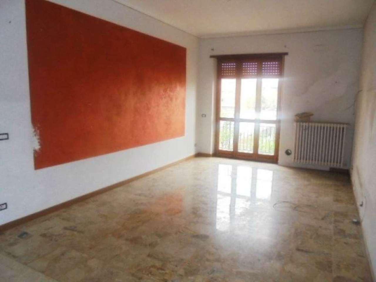 Appartamento in affitto a Villastellone, 4 locali, prezzo € 400 | Cambio Casa.it