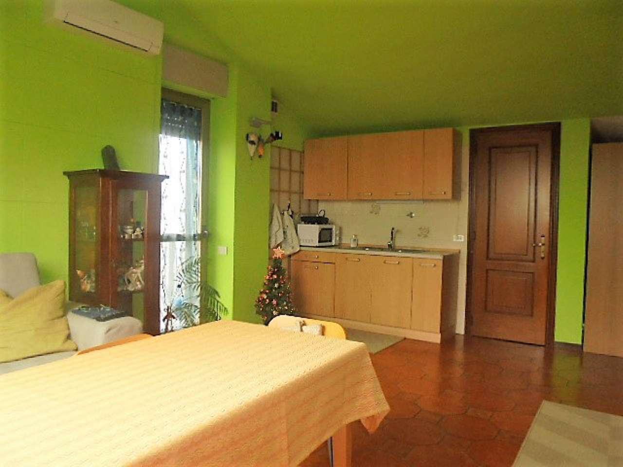 Appartamento in vendita a Santena, 2 locali, prezzo € 70.000 | Cambio Casa.it