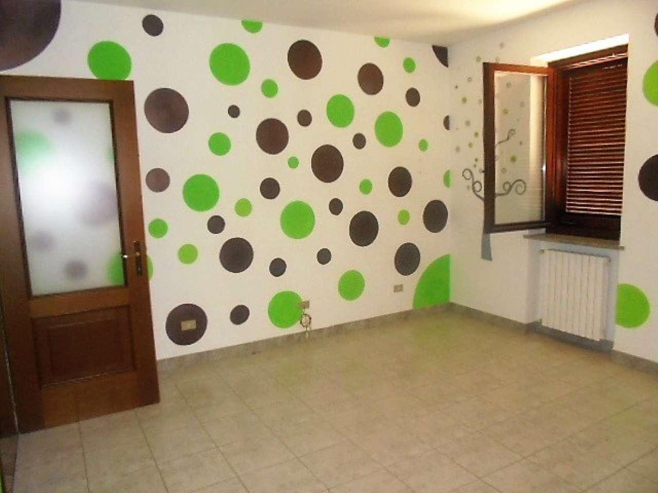 Appartamento in vendita a Santena, 4 locali, prezzo € 156.000 | CambioCasa.it
