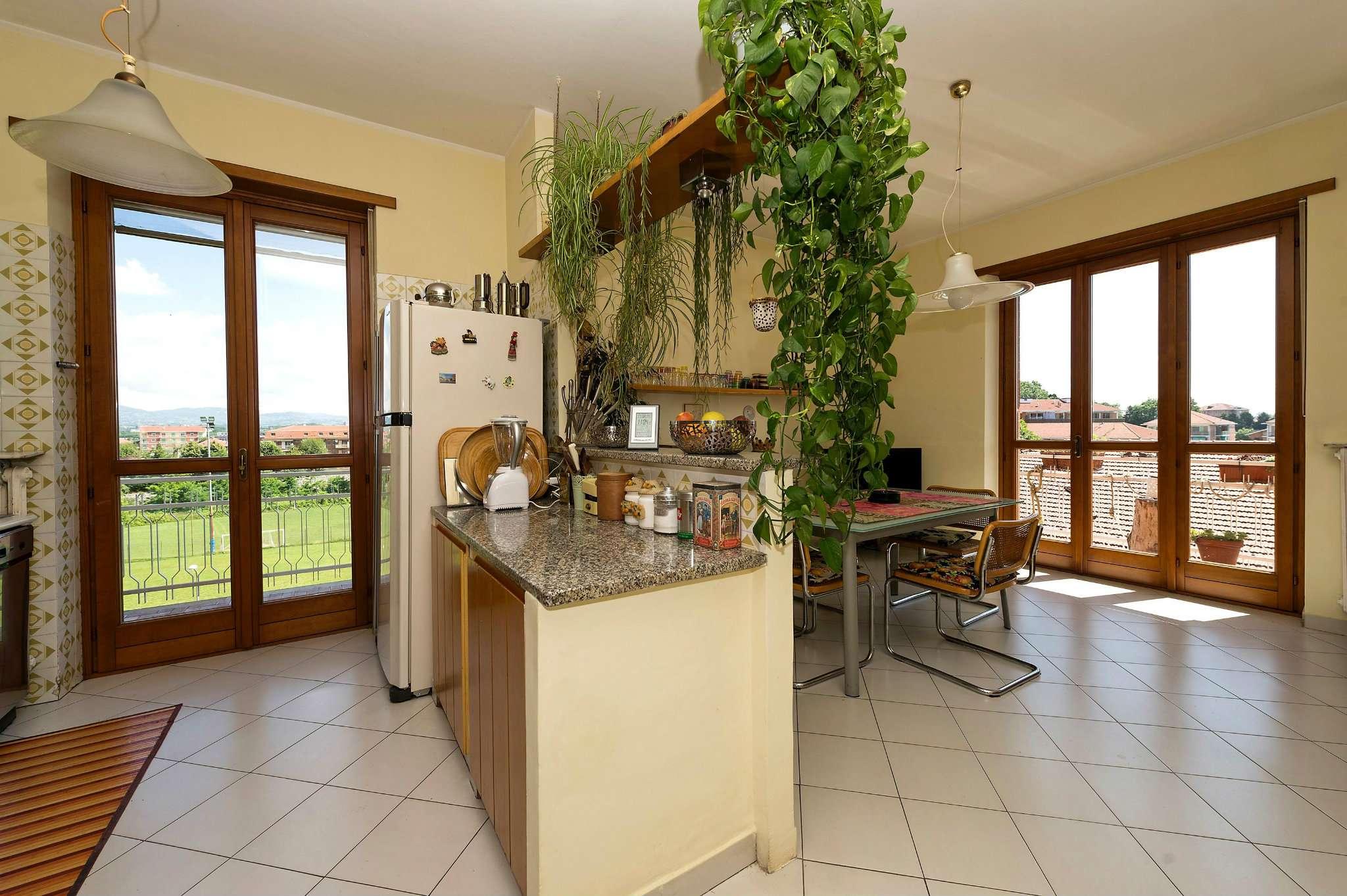 Appartamento in vendita a Santena, 4 locali, prezzo € 155.000 | Cambio Casa.it